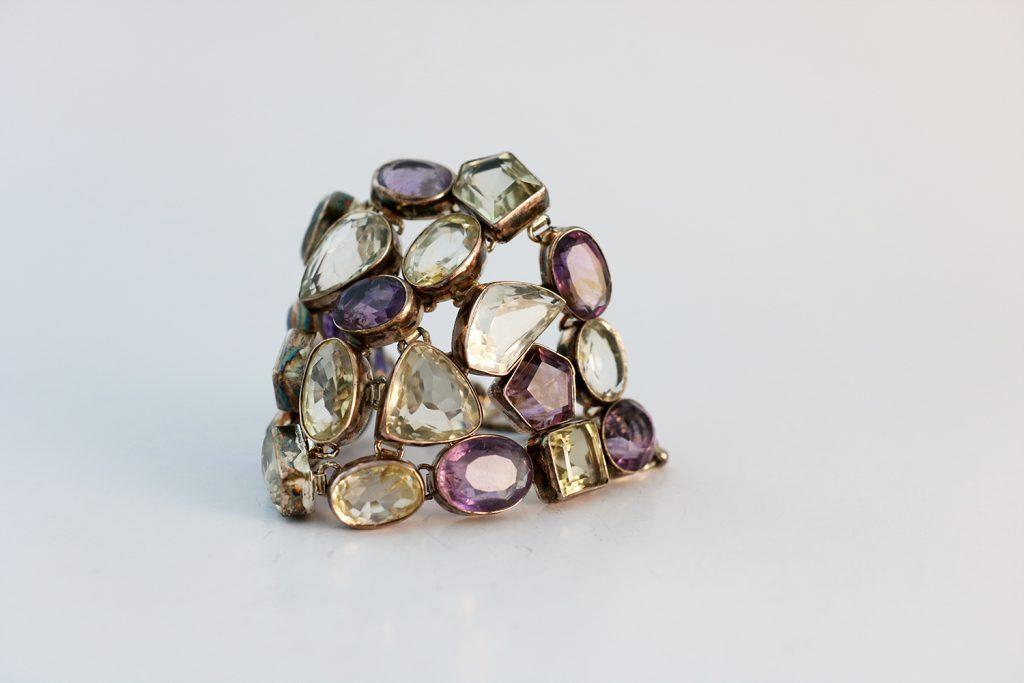 pulsera de piedras de amatista y cuarzos