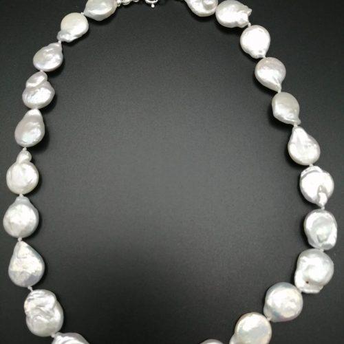 collar de perla salvaje