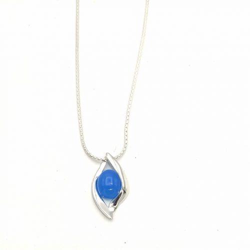 colgante de ópalo azul